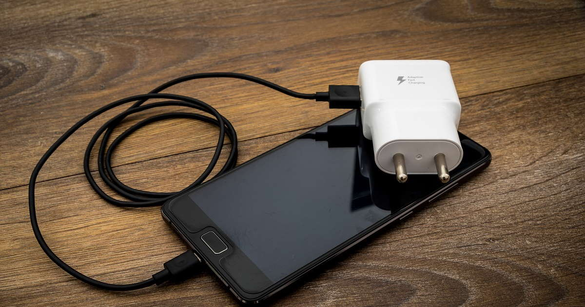 adaptateur secteur pour cable USB